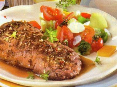 Hovězí steaky se zeleninovým salátem