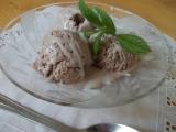 Smetanová krémová zmrzlina se spoustou čokolády recept ...