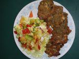 Luštěninové placičky se zeleninovým salátem recept