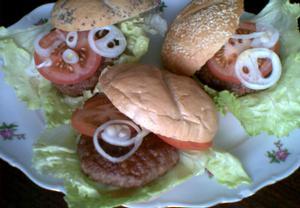 Zahradní hamburgery  grilované