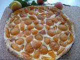 Jednoduchý meruňkový koláč z listového těsta recept