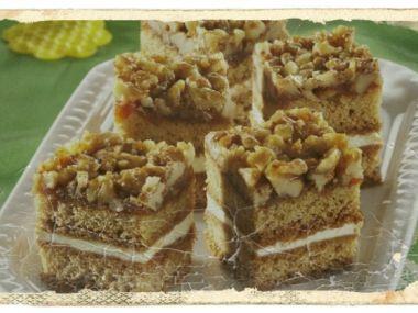 Chutné medové řezy s ořechy