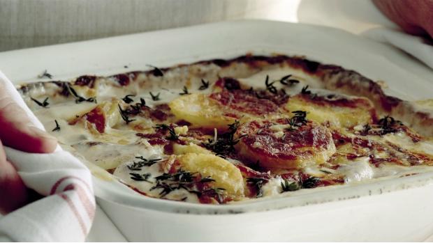 Krémové brambory s karamelizovanou cibulí