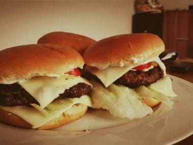 Rychlé domácí hamburgery