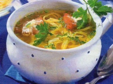 Česneková polévka s nudličkami