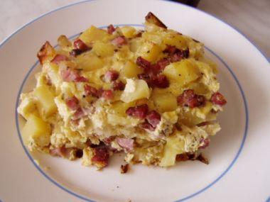 Francouzské brambory se salámem