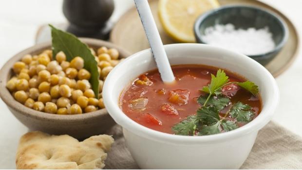 Marocká polévka s křupavou cizrnou