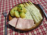 Chřest se smetanovo-sýrovou omáčkou, šunkou a bramborami ...