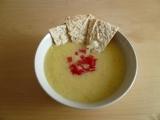 Krémová kukuřičná polévka s křupavou tortillou od Nigelly Lawson ...