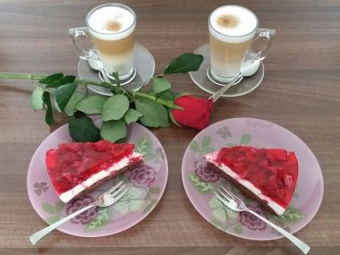 Tvarohový dort s malinovým želé