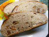 Klasický kváskový chléb se škvarkama (z remosky nebo trouby ...