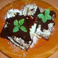 Palačinky s ořechy a čokoládovou omáčkou recept