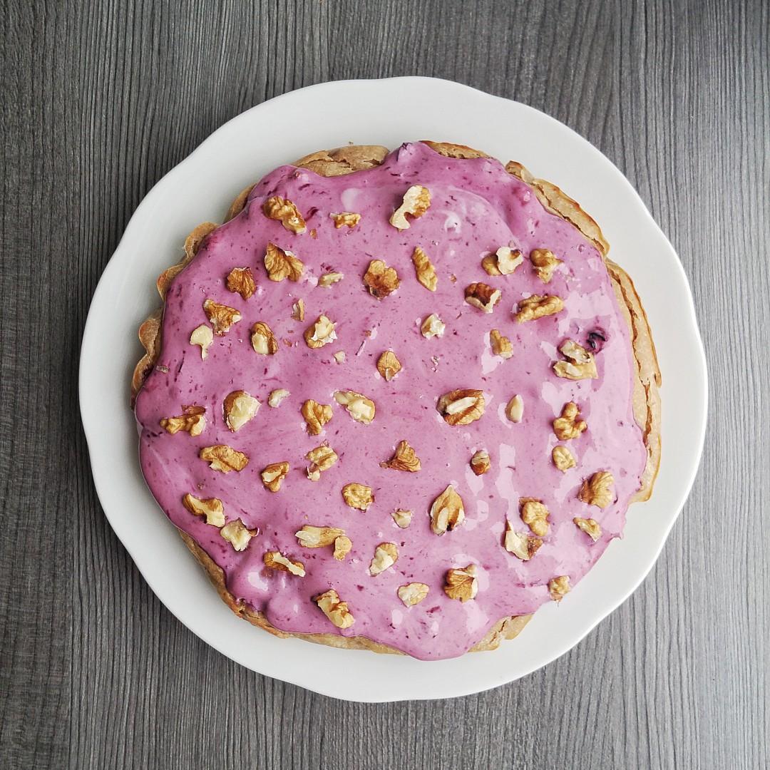Jablečný koláč s borůvkovou polevou recept