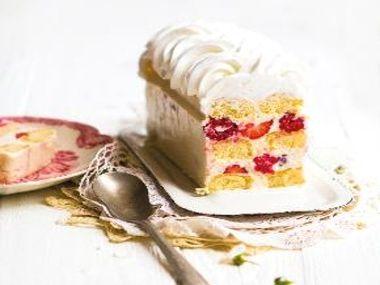 Nepečený jahodový dortík
