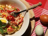 Rajčatový salát s Hermelínem a vejcem recept