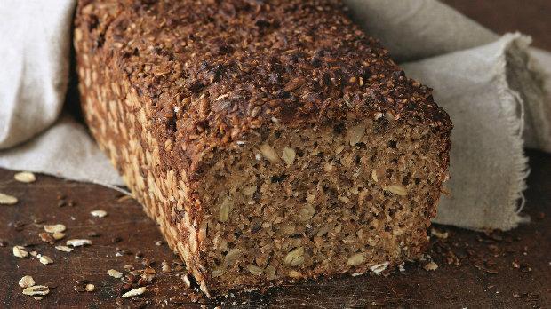 Jednoduchý celozrnný chléb