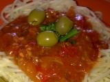 Špagety Napoli s masem,zeleninou a s olivami recept