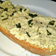 Pomazánka z brokolicových košťálů a kešu oříšků recept