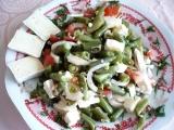 Fazolkový salát se dvěma druhy sýra recept