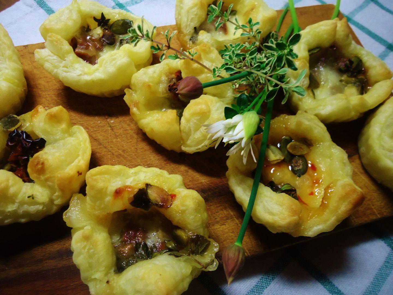 Košíčky z listového těsta s mozzarellou recept