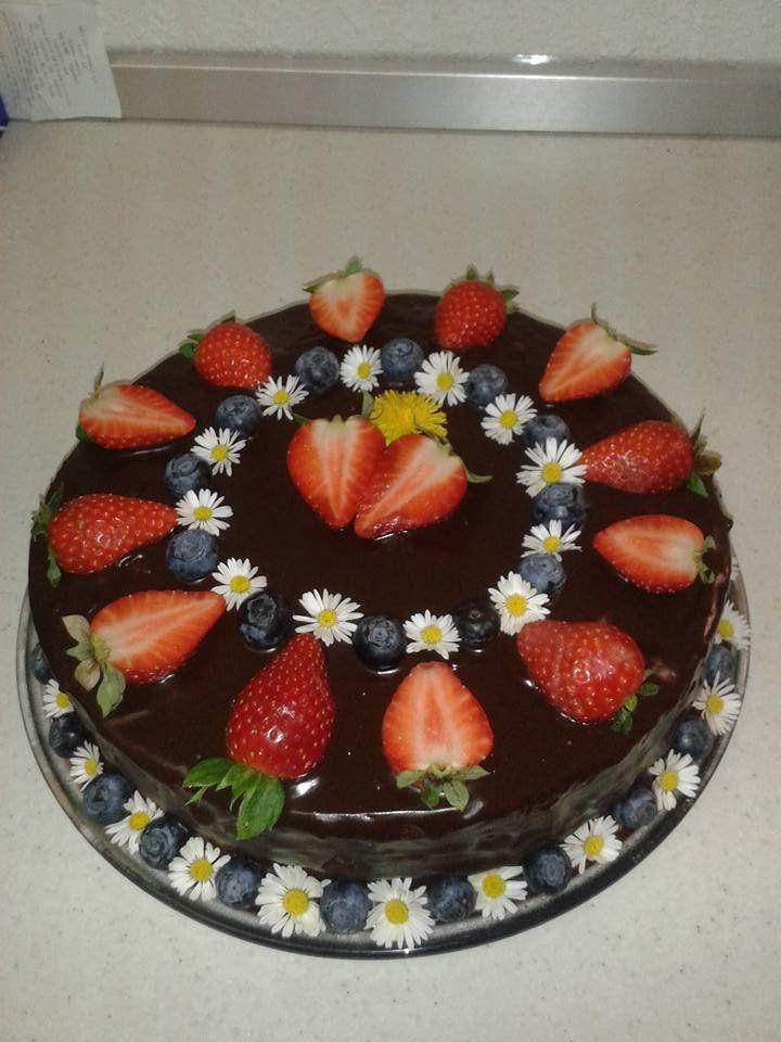 Rozkvetlý čokoládový dort recept