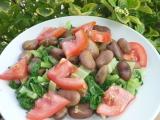 Bobový salát s mangoldem a rajčaty recept
