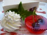 Třešňový tvarohový dortík se želé košíčky recept