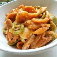 Barevné těstoviny se sójovými nudličkami recept