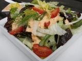 Zelený salát s paprikovým dresinkem recept