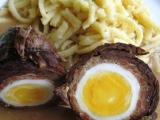 Závitek z hovězího pupku se Salsicciou a vejcem recept ...