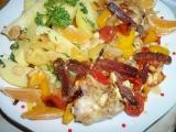 Lovecké kuřecí kousky v zelenině s nivou, přelité mandarínkovou ...