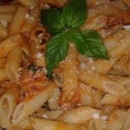 Těstoviny s lilkem a rajčaty recept