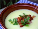 Jemný bramborový krém s liškami a slaninou recept