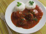Rychlá tomatová omáčka s čerstvými bylinkami recept