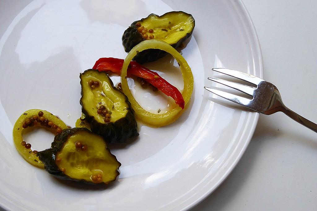 Pánské nakládané okurky s kurkumou recept