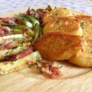 Bramborové placky s cuketou a slaninou recept