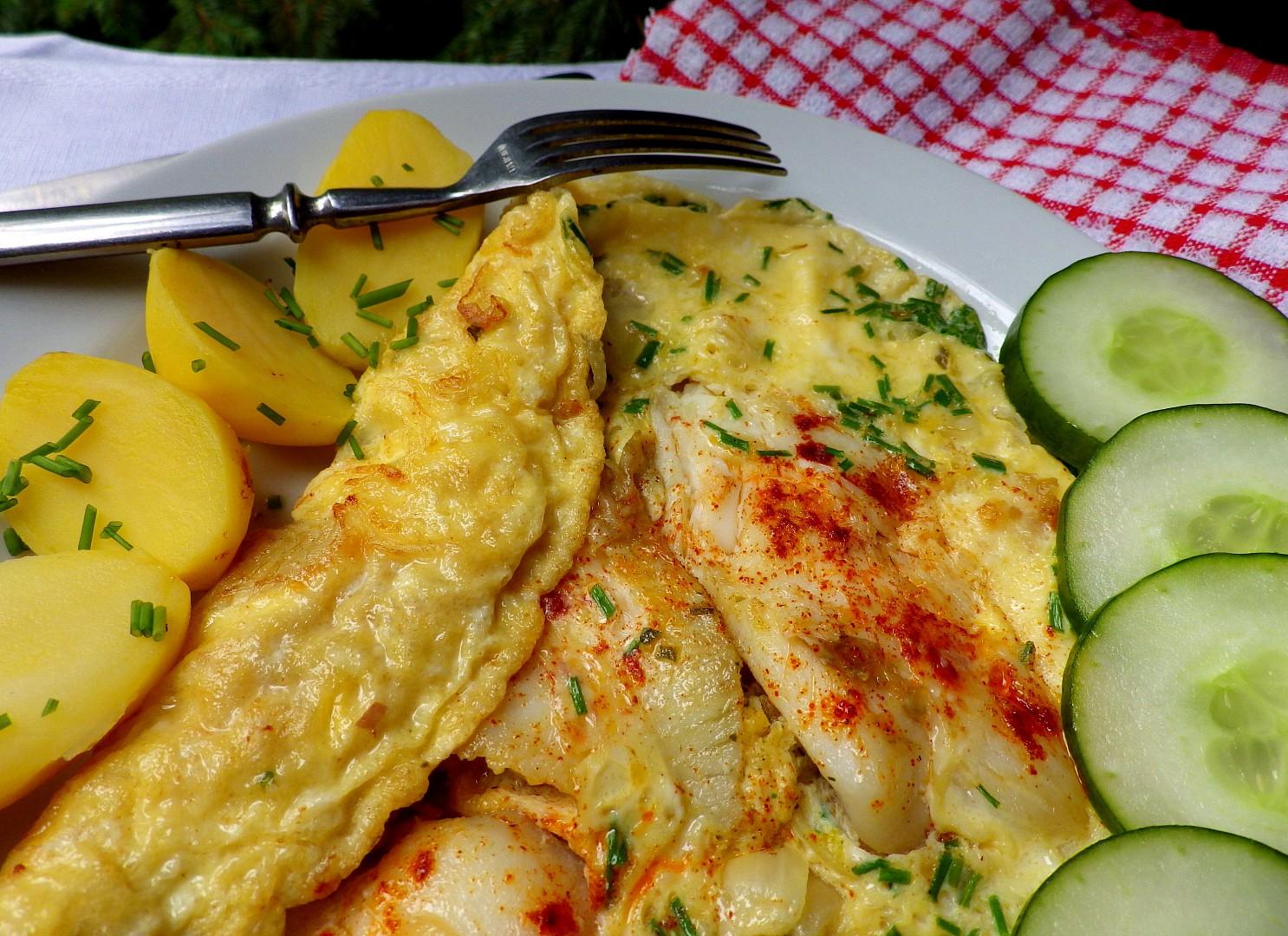 Filé z tresky zapečené v omeletě s pažitkou recept