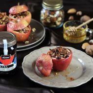 Pečené ovoce plněné oříšky a džemem recept