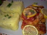 Rybí filé a na rajčátkách a citronech recept