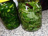 2 Bylinkové oleje: pažitka a rozmarýn se šalvějí recept  TopRecepty ...