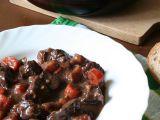Hovězí maso na víně s kořenovou zeleninou recept