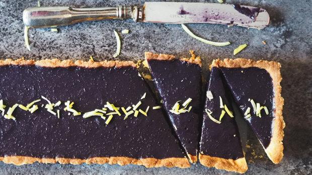 Křehký koláč s hroznovým vínem