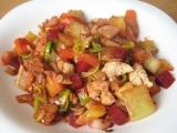 Teplý zeleninový salát s kuřecím masem recept