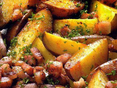 Pečené brambory s bylinkami a anglickou slaninou