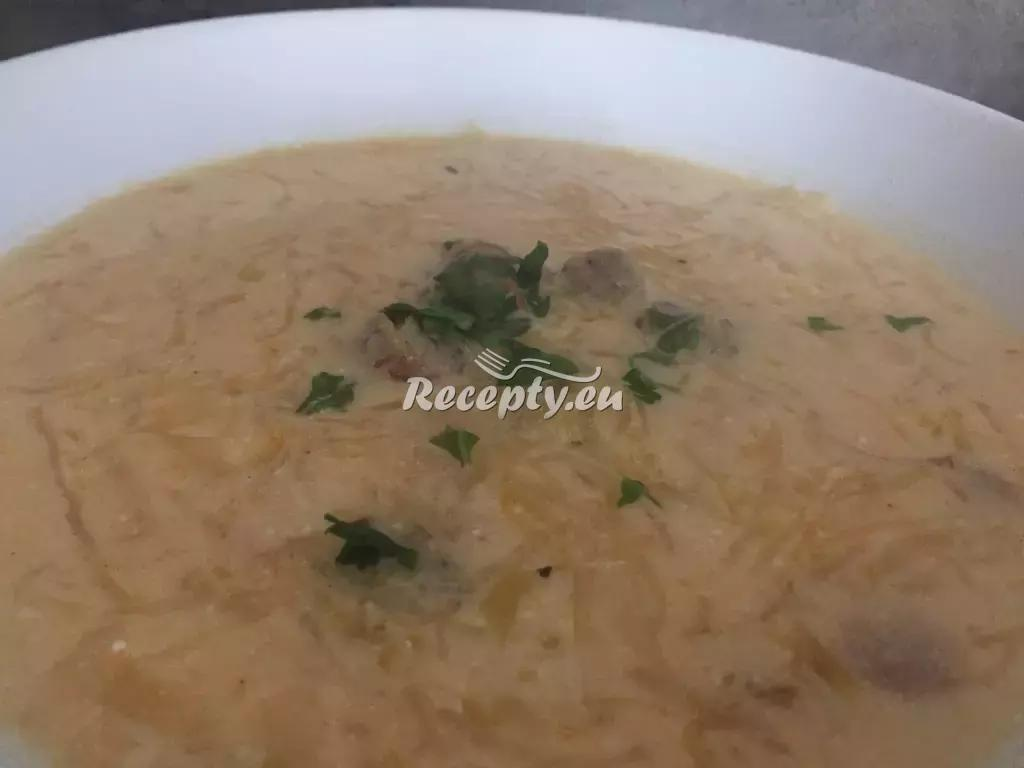 Zelňačka s klobásou recept  polévky
