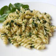 Rychlé špenátové těstoviny recept