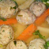 Polévka z morkových hovězích kostí s játrovými knedlíčky recept ...