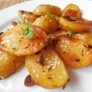 Pečené nové brambory se sezamem recept