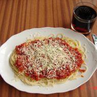 Špagety s cibulkou a nivou recept