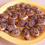Nugátové spirálky s oříšky recept